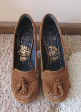 Натуральные замшевые туфли на удобном каблуке