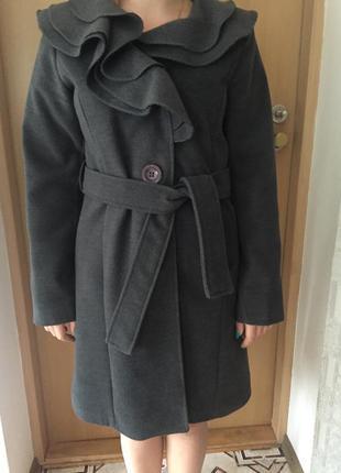 Пальто от итальянского дизайнера