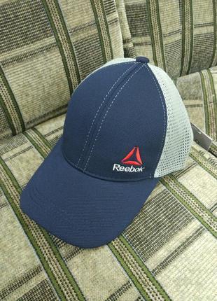 Мужская кепка серая с синим  лакоста reebok сетка