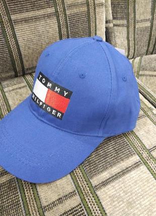Синяя мужская кепка на застежке tommy hilfiger