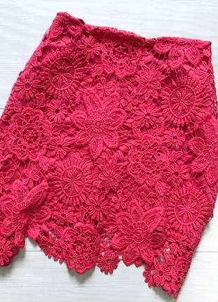 Кружевная юбка красная гипюровая