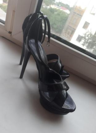 Супер босоножки на высоком каблуке
