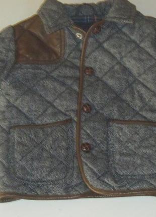 Демисезонная курточка-пиджачок для мальчика фирмы next р. 1,5-2 года (92 см).