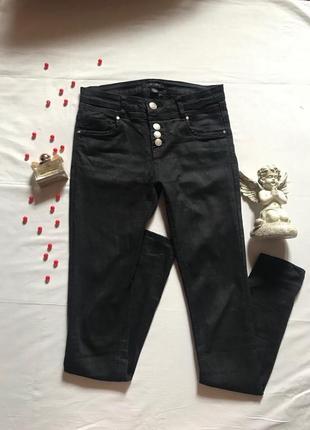 Черные джинсы amisu