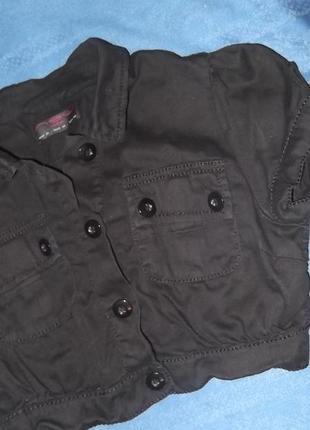 Пиджак укороченный черного цвета