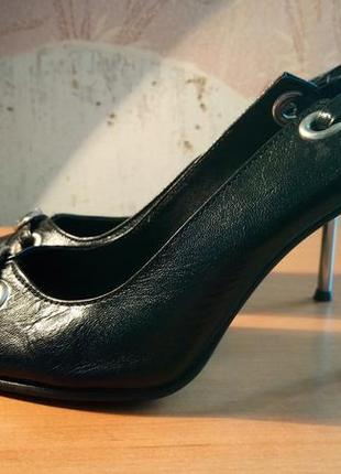 Кожаные туфли p.g.v