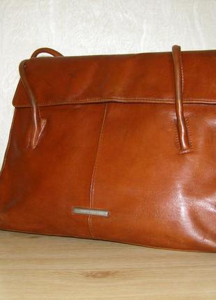 Итальянская сумка с длинными ручками от claudio ferrici ,натуральная кожа