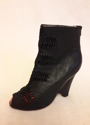 Фирменные кожаные ботинки с открытым носком от sam edelman ( сша) p. 38 - 39 стелька 25 см