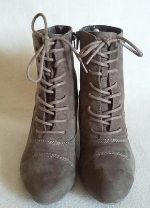 Демисезонные ботинки фирмы gracelend ( германия ) р. 39 стелька 25,5 см