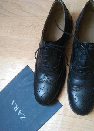 Кожаные женские туфли (оксфорды)  zara