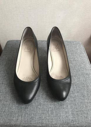 Кожаные туфли лодочки 38 размер
