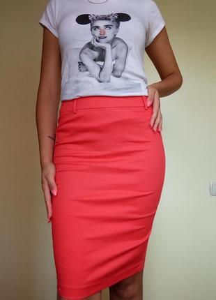 Классическая красная юбка карандаш