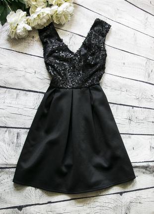 Стильное платье с пайетками atmosphere