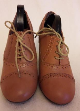 Стильные кожаные туфли броги фирмы next p. 37 стелька 24 см2 фото