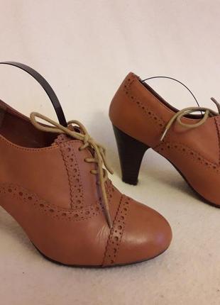Стильные кожаные туфли броги фирмы next p. 37 стелька 24 см3 фото