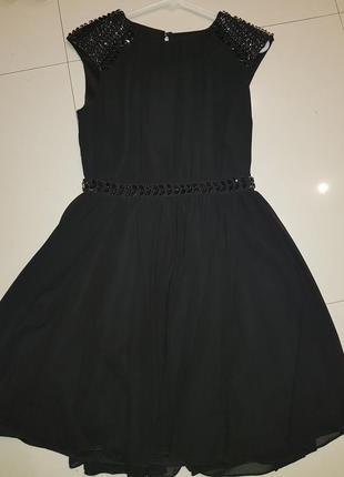 Черное платье с камнями вечернее