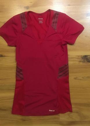 Оригинальная футболка reebok малиновая