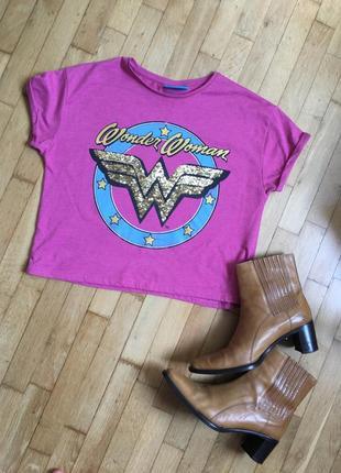 Розовая яркая футболка wonder woman с принтом суперженщина