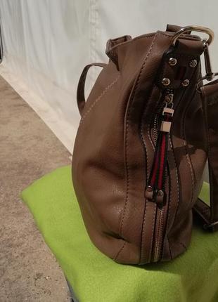 Большая вместительнная кожаная сумка