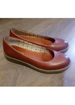 Красные кожаные туфли-лодочки на платформе 36,5р.