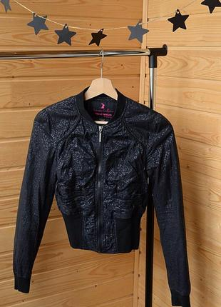 Стильная куртка бомбер фирмы tally weij