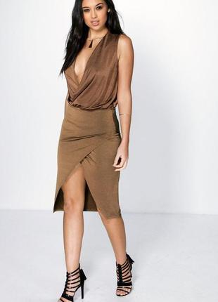 Новое блестящее шоколадное платье на запах boohoo