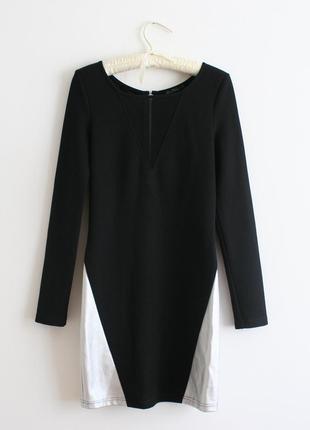 Чорна облягаюча сексуальна сукня
