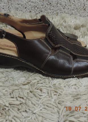 Женские боссоножки, туфли medicus/ жіночі шкіряні босоніжки медікус