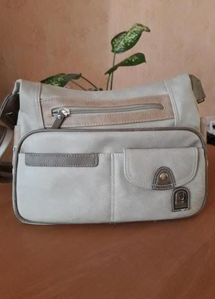 Бежевая сумочка на широкой ручке