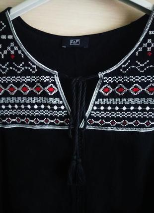 F&f красивая блузка с открытыми плечами и вышивкой! размер 12!