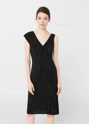Черное миди платье с воланом mango