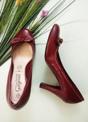 37р /4 /23'5см нежные туфли из мягкой натуральной кожи с декоративным элементом new look