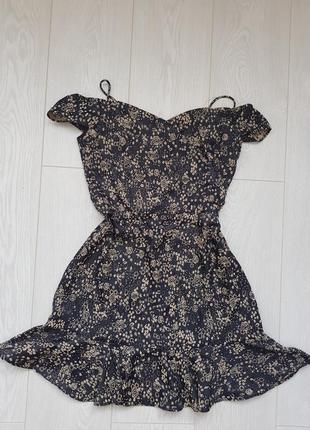 Платье zara в цветочек с рюшами