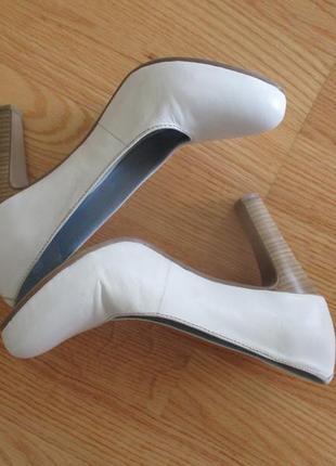 Туфли tamaris свадебные или повседневные кожа 37 р одеты 1 раз