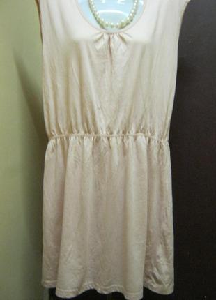 Платье- туника с кружевом на спинке