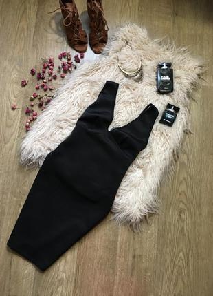 Черное платье с красивой спинкой missguided