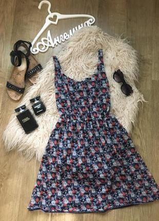 Платье, открытая спина, цветочный принт pull&bear l