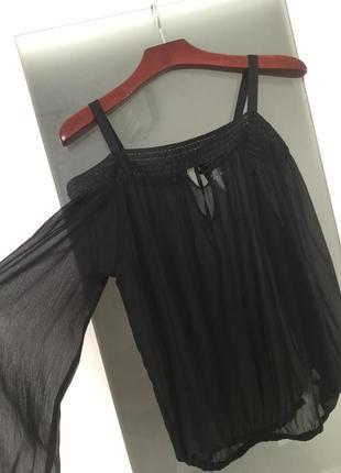 Крутейшая блуза с открытыми плечами piazza italia