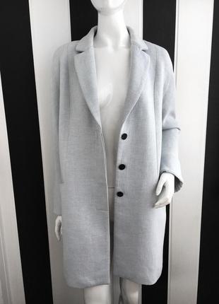 Актуальное легкое пальто прямого покроя небесно голубого цвета zara