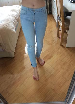 Джинсы джинси