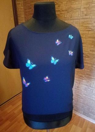 Блузка з метеликами. ручна вишивка