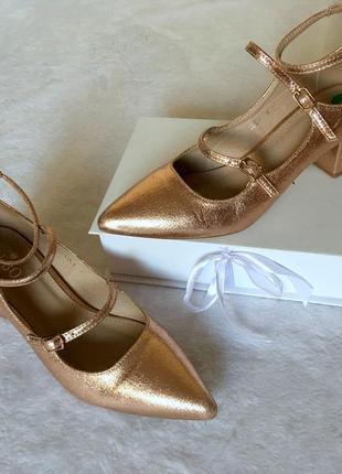 Роскошные туфли с пряжками розовое золото широкий каблук bebo р-р uk4/37