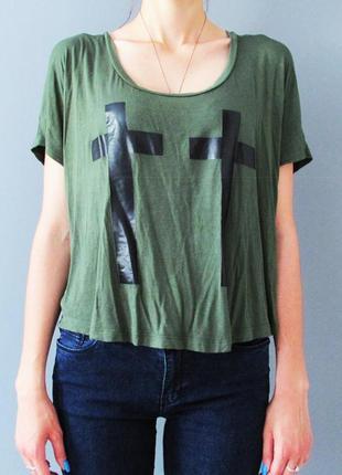 Легкая футболка цвета хаки