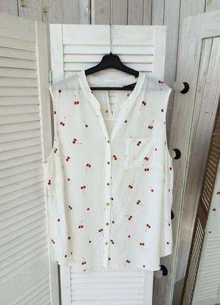 Красивая блуза с вишенками f&f