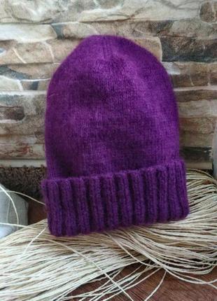 Вязаная шерстяная шапка фиолетово-баклажанного цвета