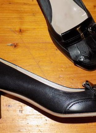 Офигенные туфли от salvatore ferragamo на 41 р оригинал кожа везде