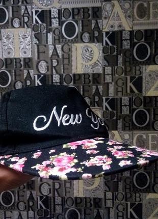 Terranova кепка летняя в цветочек