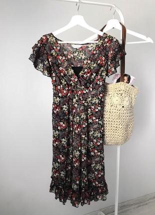 Легенькое платье  dorothy perkins