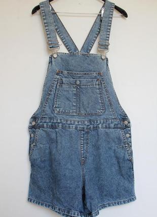 Pull&bear джинсовый комбинезон с шортами