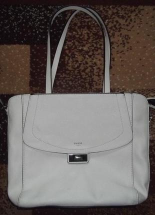 Большая,вместительная,фирменная сумка.